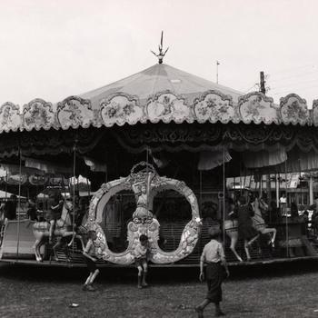 Draaimolen op de kermis, Huissen, 1947