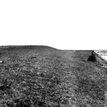Stuwwal 'Rode Klif' bij Laaxum, 1944