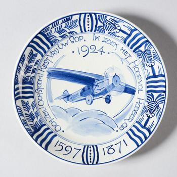 Gedenkbord 'Och Zeil! Och Stoom! Kiest Vrij Uw Sop, Ik zoek het Hoopvol Hooger op', 1924