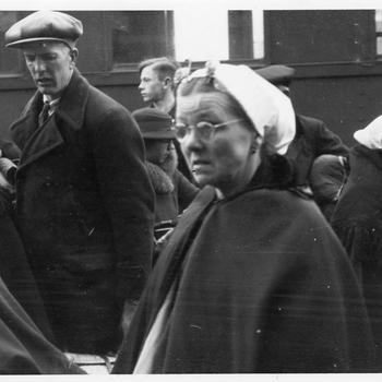 Aalten, 1943, aankomst van Scheveningse evacuees op het station