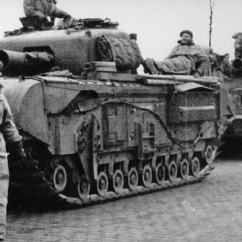 Aalten 1945, Engelse tanks in de Richterinkstraat
