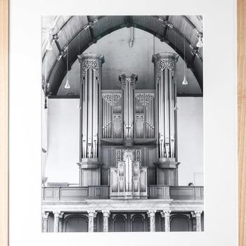 Foto voorstellende het Metzler-orgel (1970/71) in de Grote of Sint-Jacobskerk in Den Haag
