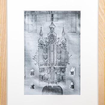 Foto voorstellende een tekening van het voormalige Gerrit Petersz-orgel (ca. 1510) in de Grote of Sint-Vituskerk te Naarden