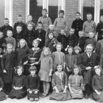 Klassefoto R.K. Lagere School Nieuw-Wehl