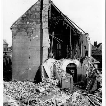 Oorlogsschade hervormde kerk, opgeblazen kerktoren