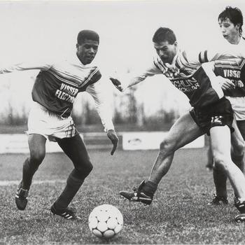 Voetbal. Diverse verenigingen