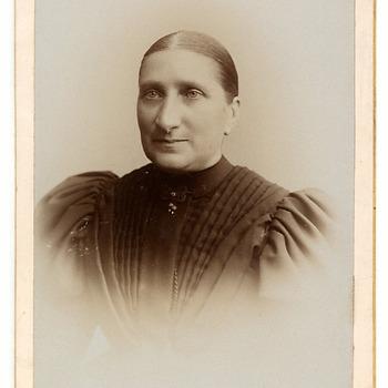 Portret Johanna Hendrika Hillegonda Brouwers (1846-1928)