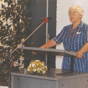 Bij opening stadhuis, mevr. Huizinga tijdens haar toespraak.