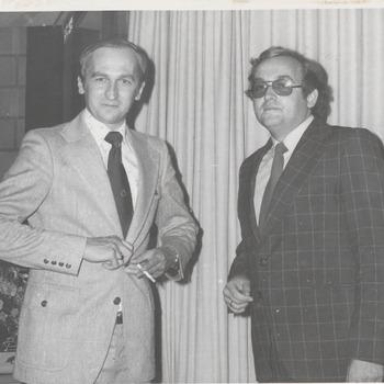 Peter Mulder rechts, directeur Agnietenhof, met andere man.