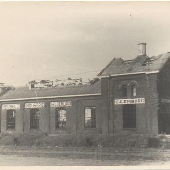 """Meubelfabriek De """"Gelderland"""" aan het eind van de oorlog."""