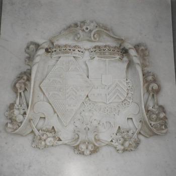 Plateau met het wapen van de Oranje Nassau en dat van Maria prinses van Oranje Nassau