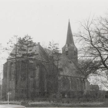 N.H. St. Martinus-kerk vanaf het noordoosten