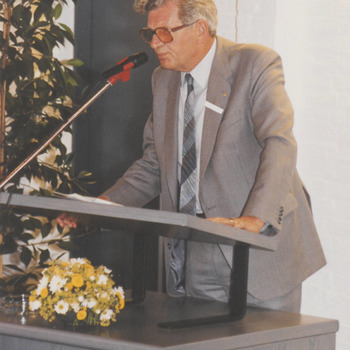 Bij opening stadhuis, dhr. v. Zante tijdens zijn toespraak.