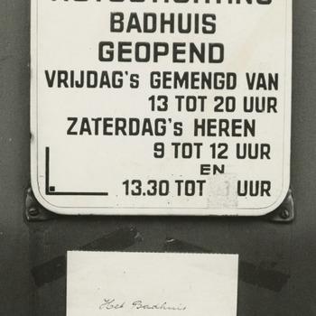 Het badhuis van de Nutsstichting, gelegen aan het Badhuisplein 18, wordt 1 oktober 1969 gesloten