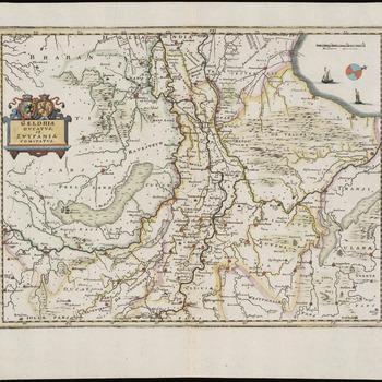 Een overzichtskaart van het Hertogdom Gelre met het Gelders Rivierengebied en het Graafschap Zutphen met het westen boven. Een gradenverdeling in de rand. Met rechtsboven een kleine kompasroos in de Zuiderzee. Titel in een eenvoudig versierde cartouche met het wapen van Gelre en van Zutphen, linksboven het midden. De schaal is rechtsboven aangegeven. Een schaalstok van 3 Milliaria Germanica = 4,1 cm<br/>