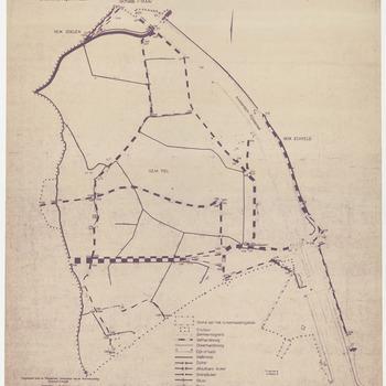 Een plan van de wegen en kaden betrekking hebbend op de ruilverkaveling van Echteld-Lienden. Op dit plan zijn afgebeeld de wegen en kaden in het gebied rond de Start en het industriegebied Kellen