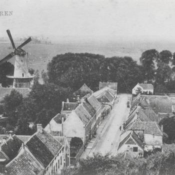 """Panorama, Zoetendaal en de molen """"De Prins van Oranje met rechts twee hooibergen, de voorste was van J.M. d. Kruijff de achterste was van G.v. Schaardijk."""