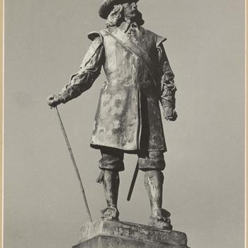 Het standsbeeld van Jan van Riebeeck in Kaapstad aan de Heerengracht in Zuid-Afrika. Op 18 mei 1899, werd dit standbeeld onthuld, 1988