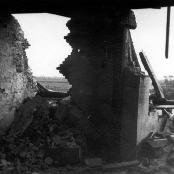 Oorlogsschade kasteel Ammersoyen