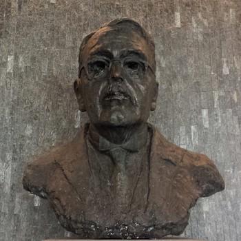 Buste Mr. S. baron van Heemstra