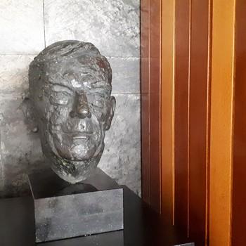 Buste Alfred Mozer