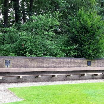 Monument Karel van der Heijden