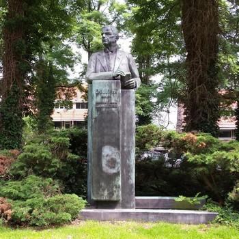 Buste dr. H.J. Lovink