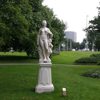 Tuinbeeld Leda