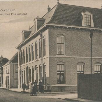 Ansichtkaart Doelenstraat met postkantoor te Zevenaar