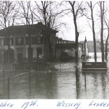 Wasserij Lenderink, Warnsveldseweg bij hoog water