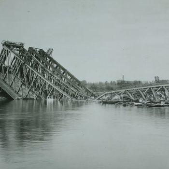 Vernielde IJsselbrug
