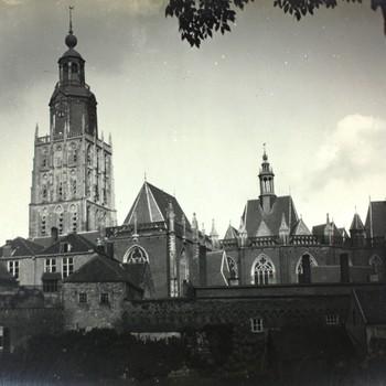 Martinetsingel St. Walburgiskerk