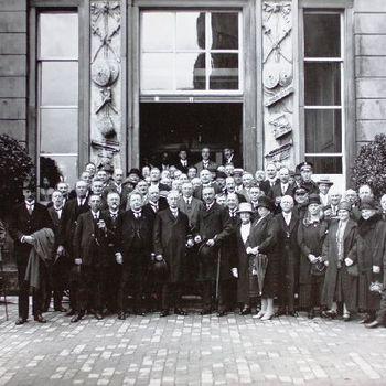 Deelnemers aan de vergadering