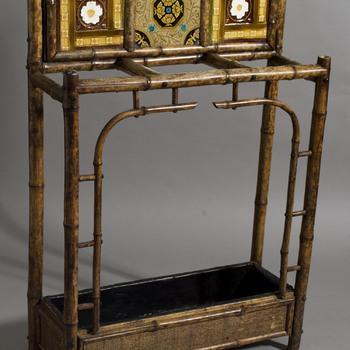 paraplubak van keramiek, industrie; cloisonne, voorstellende onbekend gemaakt te Engeland ca. 1900-1930