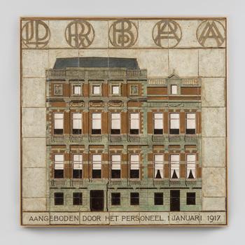 Tegeltableau met voorstelling van het kantoor van de fa. Adolphe Boissevain, vervaardigd door de Porceleyne Fles in Delft in 1916-1917