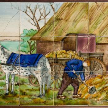 tegeltableau van keramiek met lijnreliëf, voorstellende een landschap, vervaardigd door de Fayence- en Tegelfabriek 'Holland' te Utrecht, ca. 1912-1916.