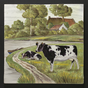 Tegeltableau van keramiek, tinglazuur, voorstellende een landschap gemaakt in Harlingen door Van Hulst ca. 1915