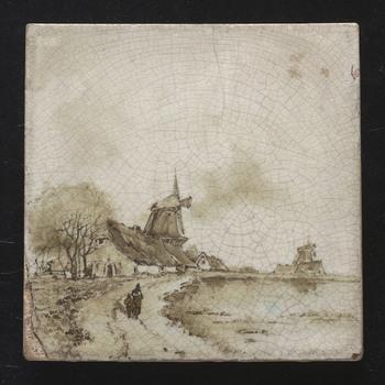 """tegel in onderglazuur, voorstellende een rivierlandschap met molen, door de Faience- en Tegelfabriek """"Holland"""" in Utrecht, ca. 1896-1905"""