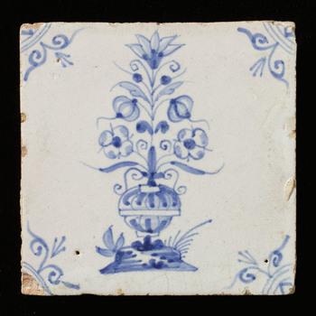 tegel van keramiek, tinglazuur, voorstellende Bloempot gemaakt te ZUID HOLLAND?; NOORD HOLLAND? ca. 1640-1660