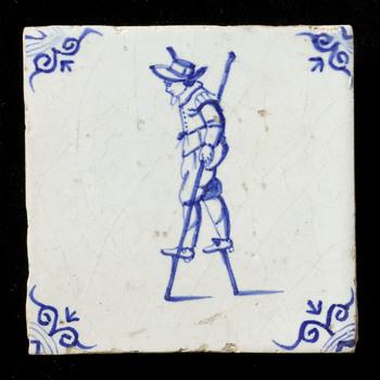 tegel in tinglazuur, voorstellende steltlopen, ca. 1650-1700