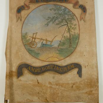 Vaandel, van textiel, met afbeelding van landschap met ploeg en zeis, vervaardigd na 1864