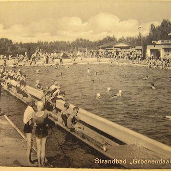Ansichtkaart, waarop zwart-wit foto van Groenendaal