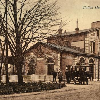 Prentbriefkaart, getiteld 'Station Harderwijk'