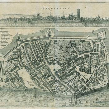 Vogelvluchtplattegrond van Harderwick met erboven een stadsprofiel vanaf zee, door N. van Geelkercken voor het boek van Van Slichtenhorst, 1654