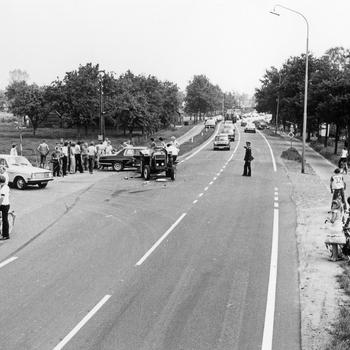 Verkeersongeval op het kruispunt Zuiderzeestraatweg/Kleine Mheenweg