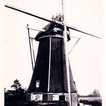 Herstel molen te Nederhemert.  1936