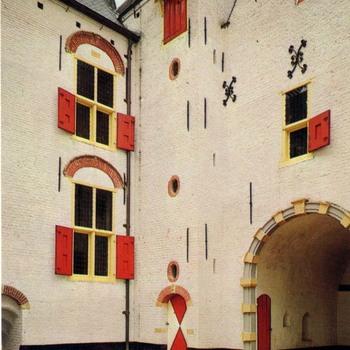 Kasteel Ammersoyen, binnenplaats.