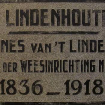 Gedenksteen of gevelsteen Van 't Lindenhoutplein