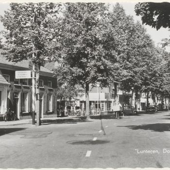 Lunteren. Dorpsstraat.