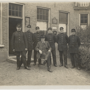 PTT-ers voor postkantoor